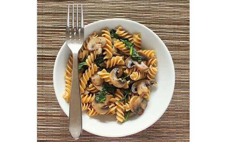 Caties-Organics-Whole-Plant-Foods-Fusilli-Pasta-With-Wild-Mushroom-Cream-Sauce