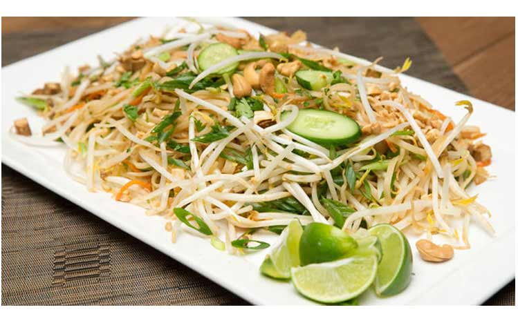 Cures-In-The-Kitchen-Raw-Vegan-Spicy-Pad-Thai-Noodles
